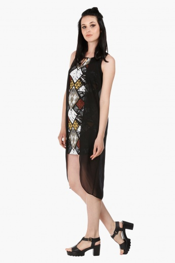 Sleeveless Printed Bodycon Dress with Sheer Cape in Regular Fit