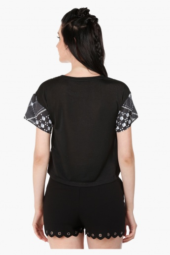 Printed Crew Neck Top with Short Sleeves in Regular Fit