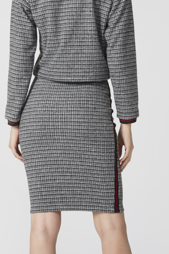 Chequered Bodycon Skirt with Elasticised Waistband and Tape Detail