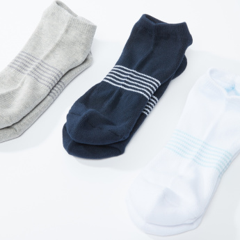 Textured and Striped Ankle Length Socks - Set of 3