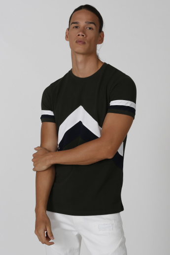 Iconic Slim Fit Printed T-shirt with Crew Neck and Short Sleeves