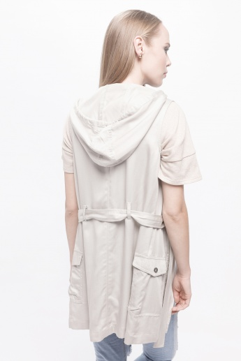 Sleeveless Trench with Hood and Tie-Up