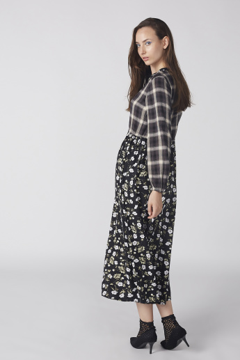 Printed Maxi Dress with Long Sleeves and Tie Ups