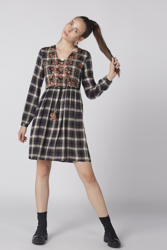 Chequered Midi Dress with Long Sleeves and Embroidery Detail ... f406ed1b557f