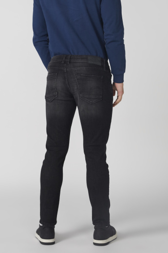 Full Length Distresses Jeans with Button Closure in Skinny Fit