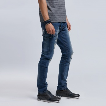 Eco Friendly Distressed Jeans with Button Closure in Skinny Fit
