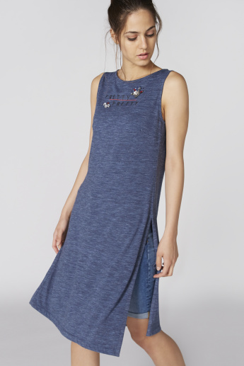 Embellished Sleeveless Tunic with Round Neck
