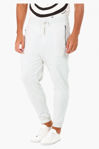 Jogger Trousers with Zipper Pocket details in Regular Fit