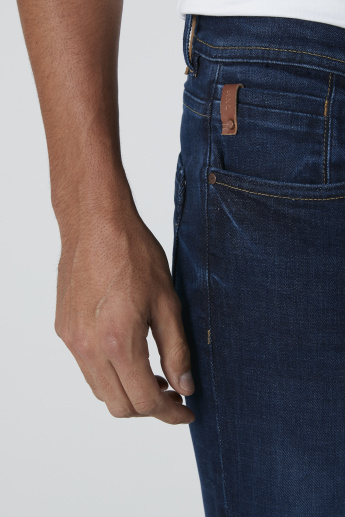 Sustainable Denim in Low-Rise Skinny Fit