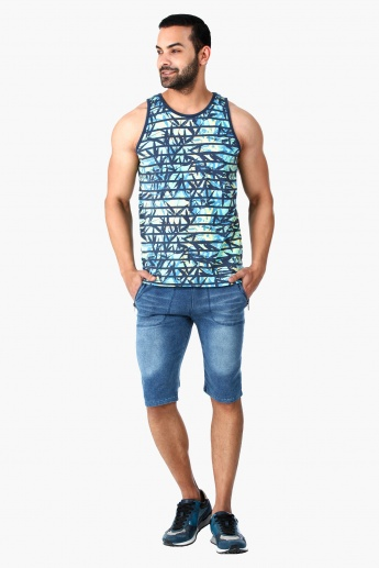 Printed Round Neck Tank Top in Regular Fit
