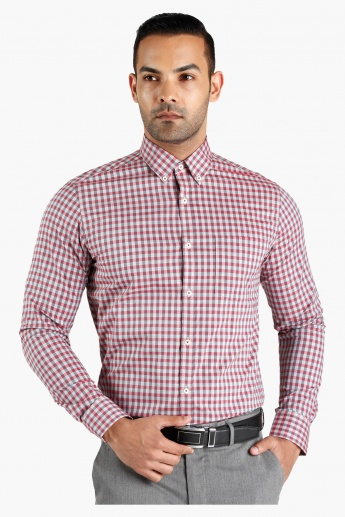 Chequered Button Down Collar Cotton Shirt in Slim Fit