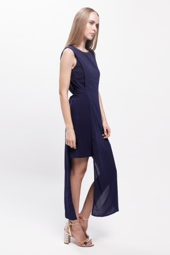 Sleeveless Dress with Round Neck and Tie-Up Back