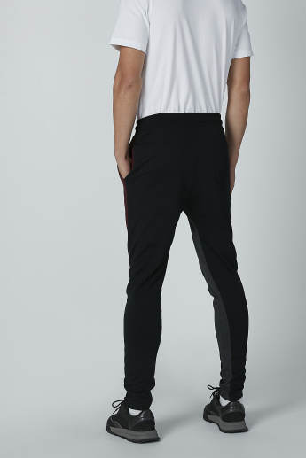 Smiley World Slim Fit Full Length Mid-Rise Pants with Pocket Detail