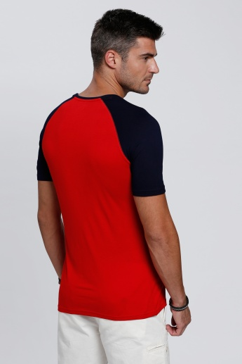 Raglan Sleeves T-Shirt with Short Sleeves and Round Neck