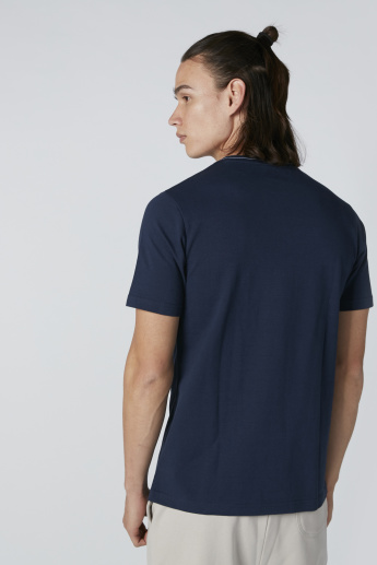 Cut and Sew T-Shirt with Round Neck and Short Sleeves