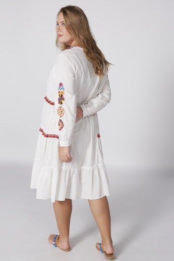 Embroidered Midi Dress with V-Neck and Long Sleeves