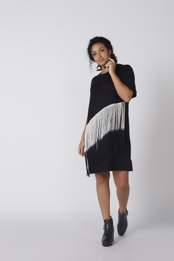 Round Neck Dress with Short Sleeves and Fringes