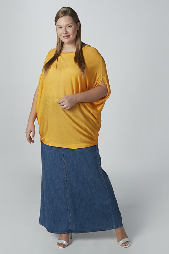 Textured Top with Round Neck and Extended Sleeves