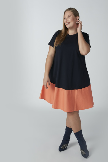 Plain Midi A-line Dress with Round Neck and Pocket Detail