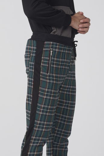 Chequered Pants with Elasticised Waistband and Pocket Detail