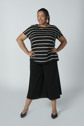 Striped Top with Round Neck and Extended Sleeves