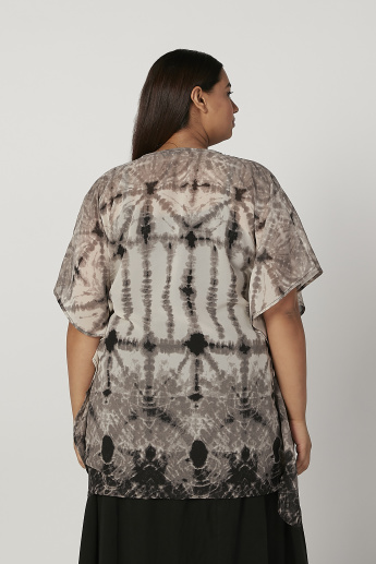 Sustainability Top with V-neck and Extended Sleeves