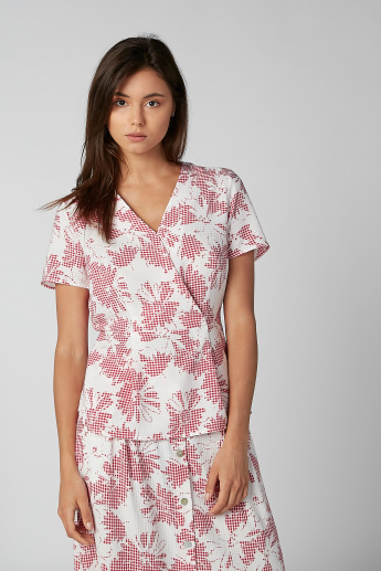 Koton Printed Top with V-neck and Short Sleeves