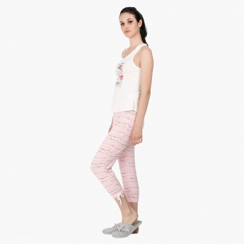 Hello Kitty Print T-Shirt and Capri Set in Regular Fit