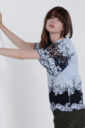 Embroidered Top with Round Neck and Keyhole Closure