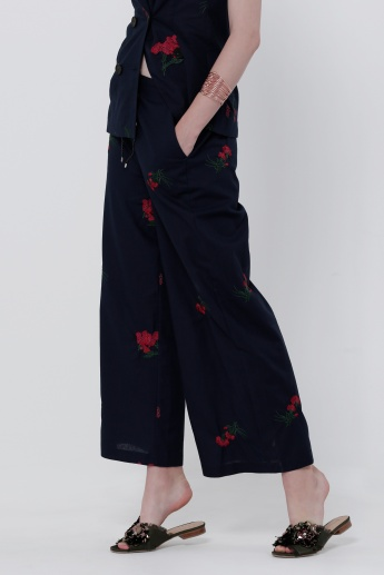 Embroidered Full Length Pants with Pockets on the Sides