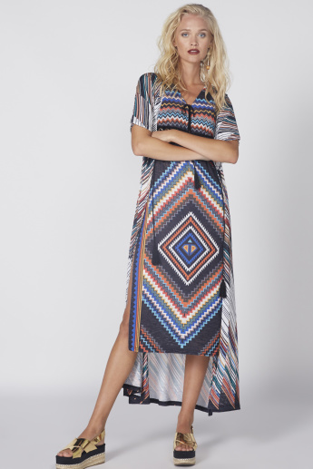 Printed Sleeveless Midi Dress with V-Neck and Tie Up Detail ... e7b91aced
