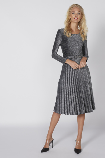Textured Midi Dress with Long Sleeves and Pleated Detail  71891b7b0b56