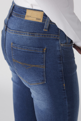 Full Length Jeans with Button Closure and Pocket Detail