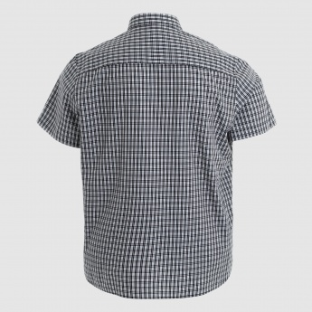 Chequered Short Sleeves Shirt with Complete Placket on the Front