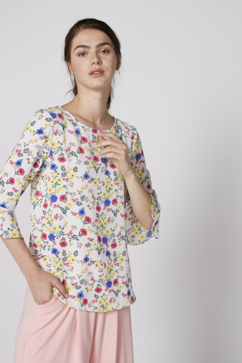 Printed Top with Round Neck and Flared Sleeves
