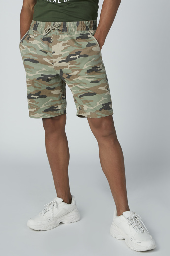 Camouflage Printed Shorts with Pocket Detail and Drawstring Closure